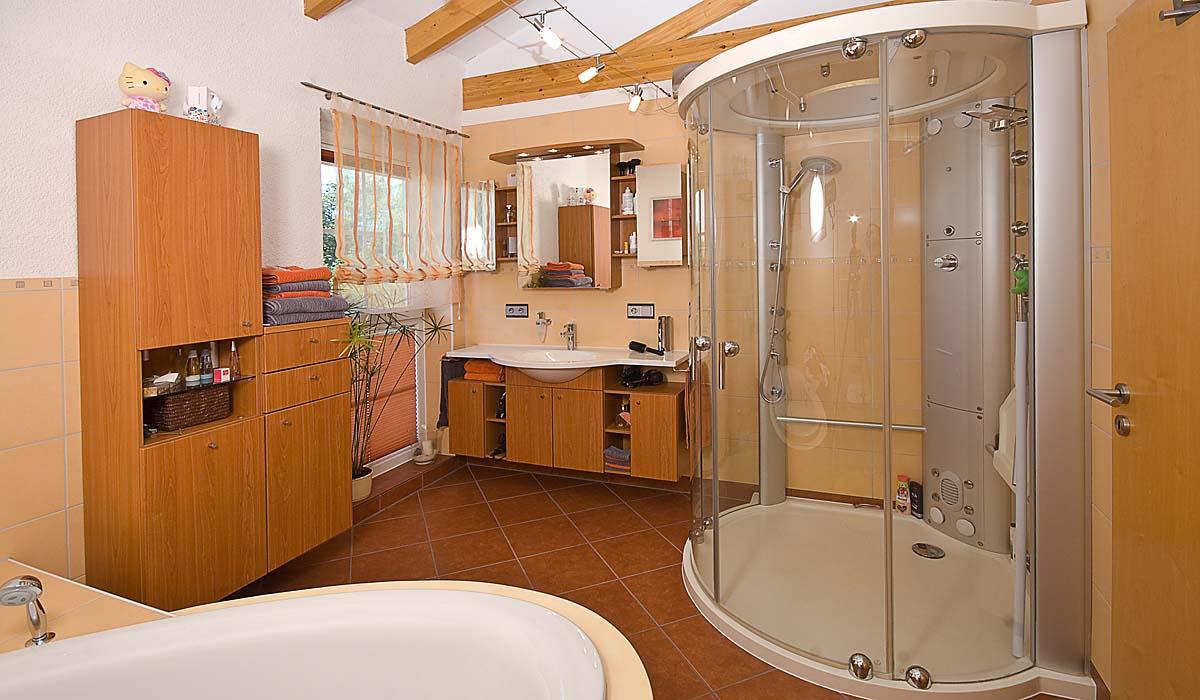 Attraktiv Badgestaltung, Dusche Rund. Badgestaltung, Freistehende Badewanne