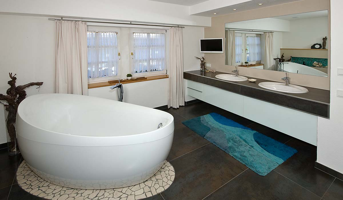Badgestaltung, Freistehende Badewanne